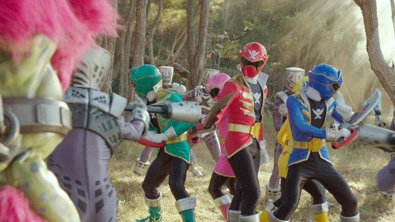 [WEB-x264] - Power Rangers Super Megaforce (Lat/Ing) + Sub (Lat/Eng) 720p [20/20] PRSMGFE04
